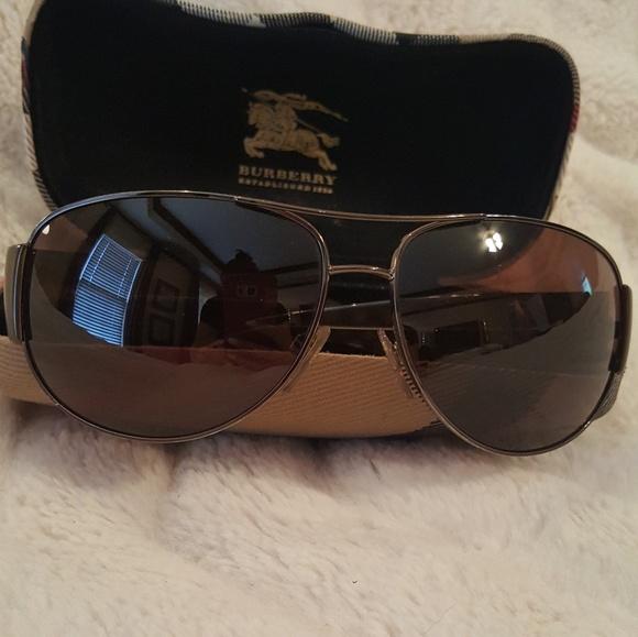 0b0ab148f0f4 Burberry Other - Unisex Burberry Aviator Sunglasses